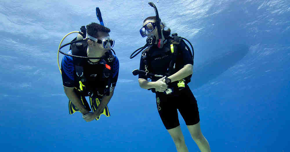 The Benefits And Flaws Of Having A Dive Buddy